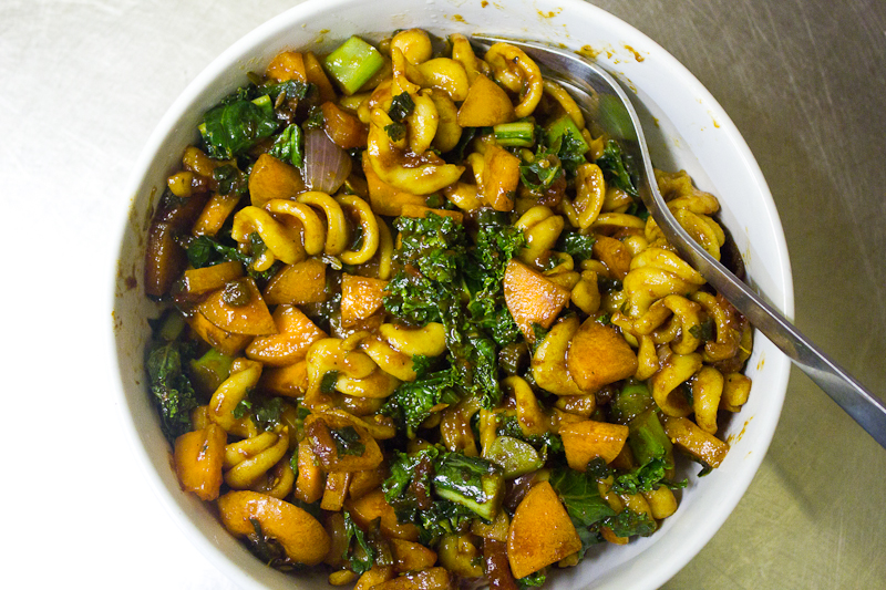 kale pasta stir-fry