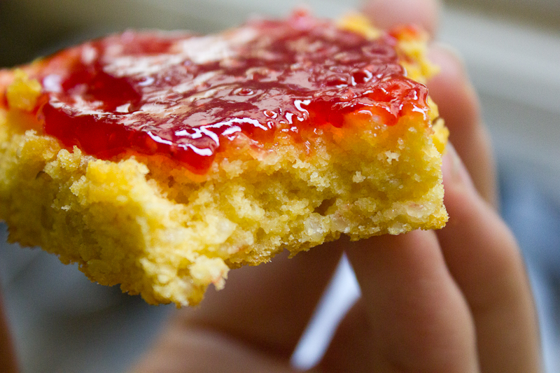 Quinoa cornbread with raspberry jam