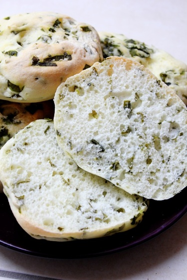 Vegan Mofo Day 2 – Ramson Breadrolls   Bärlauchbrötchen