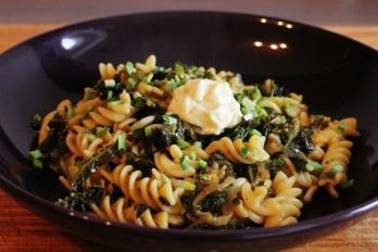 Kale garlic pasta   Grünkohl-Knoblauch-Nudeln