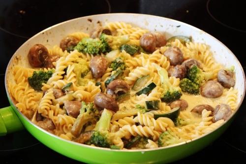 Mushroom Zucchini Pasta   Pilz-Zucchini-Nudeln