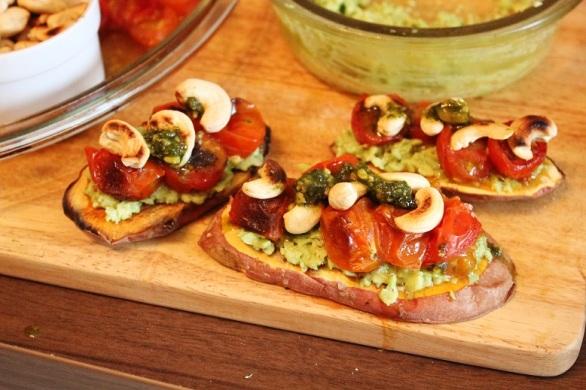 Avocado Tomato Sweet Potato Toast   Avocado-Tomaten-Süßkartoffeltoast