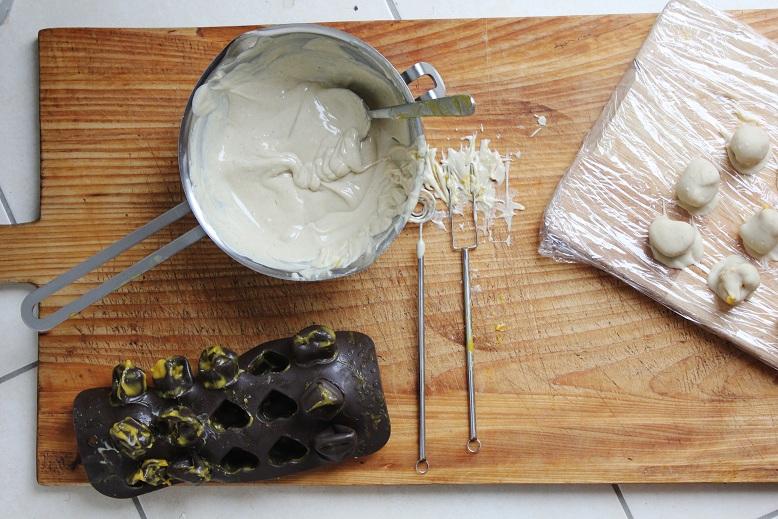 Mango White Chocolate Truffles | Mango-Weiße-Schokolade-Trüffel